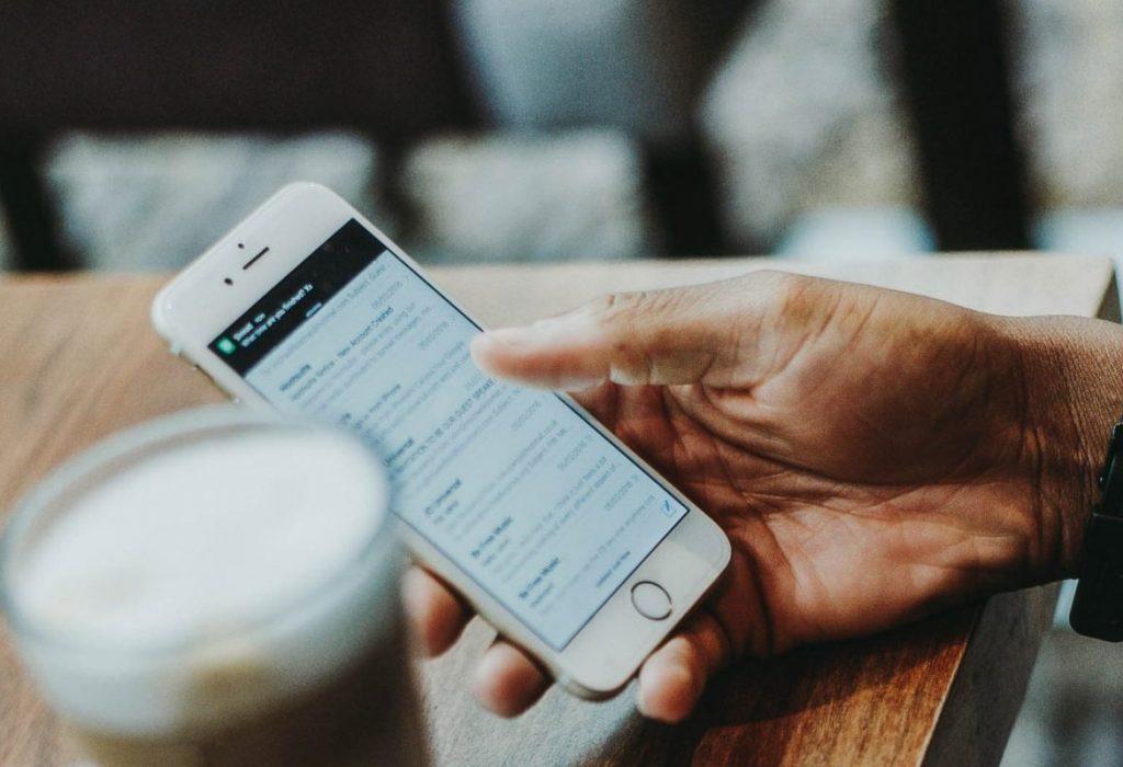 اولین رویکرد تلفن همراه به وب سایت